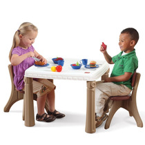 Step 2 Lifestyle Kitchen Table & Chairs Set - Mesa Y2 Sillas