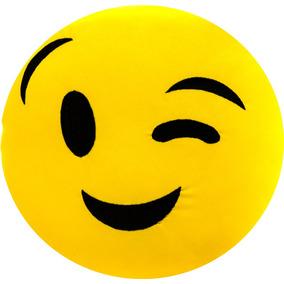 Resultado de imagem para emoji piscando o olho