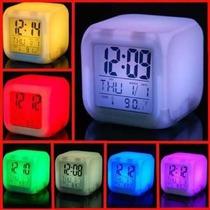 Reloj Cubo Gadget Despertador Luminoso 7 Colores Alarma