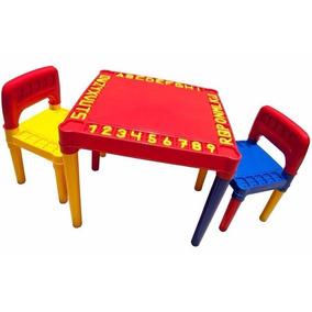 Mesa Plástica Infantil Educadora C/ Alfabeto E 2 Cadeiras