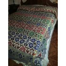 Colcha Cubrecama King Size Bordado Oro Y Puntilla Crochet
