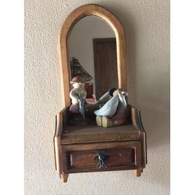 Repisa Con Espejo Rústico Incluye Figuras Niños