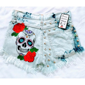 Short Jeans Customizado Caveira Mexicana Atrás