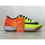 2222e7dd78 Chuteira Society Nike Mercurial Linda - Esportes e Fitness no ...