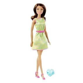 Barbie Con Regalo Surtido Vestido Amarillo/verde