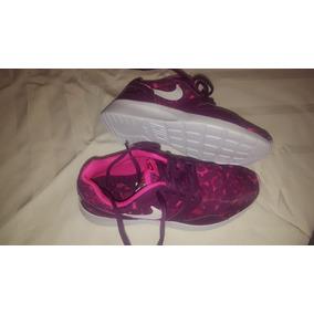 Zapatillas Urbanas Nike Color Fucsia de Mujer en Capital Federal en