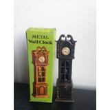 Antiguos Sacapuntas Metal Reloj Fonografo
