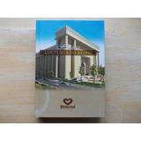 Livro Hinário Louvores Do Reino Universal 2010 - 5ª Edição