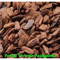 Casca De Pinus No Pacote De 40 Litros