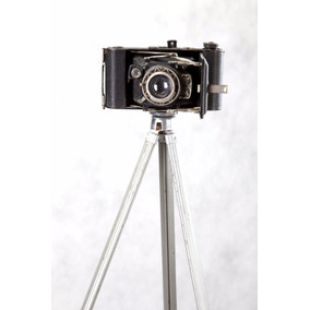 Máquina Fotografica Antiga Com Tripe