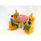 Kit Cerveja Schin Mesa +4 Cadeiras +4 Figuras Ho 1:87 Praia