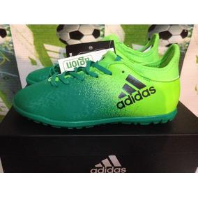 tenis adidas verdes de futbol