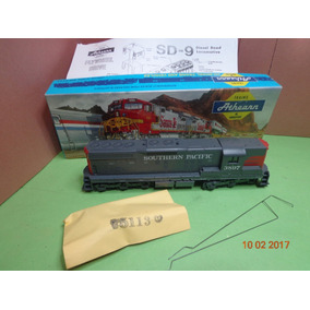 Locomotora Diesel Athearn Sd-9 Ho