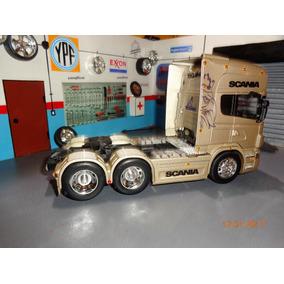 Camion Scania R-730 6x2 De Welly En Escala 1/32