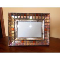 Porta Retrato De Madeira Com Mosaicos De Vidro