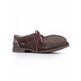 Sapato De Camurça Com Cardarço