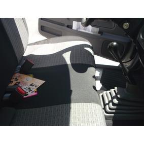 Cubreasientos Np-300 09/14 Cabeceras Pegadas 1 Cab. Tela Aut