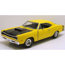 Motor Max 1:24 American Classic 1969 Dodge Coronet Super Bee