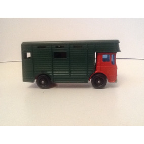 Matchbox Lesney # 17 Horce Box Con Caballos