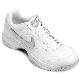 Tênis Nike Wmns Nike Court Lite Feminino - Branco E Prata 17bbd44aba662
