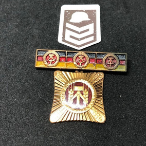 Pin Badge De Trabalho Coletivo Socialista Alemanha Oriental