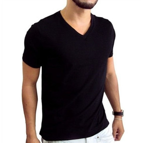 Camiseta Preta Masculina Gola V Algodão