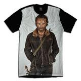 Camiseta Personalizada The Walking Dead Rick Jaqueta Marrom