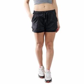 Short Feminino Tafetá Sobreposto Preto
