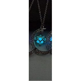 Collar Media Luna Con Corazón Fluorescente Luminosidad