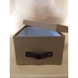 Caja De Cartón Forrada Con Manija De Cuero 31x22x15 Cm.