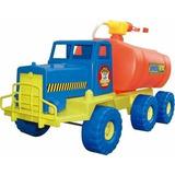 Camión De Bomberos Con Casco Lanza Agua De Verdad
