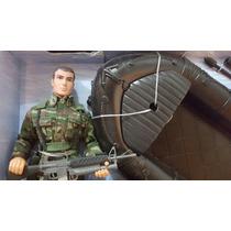 Soldado Figura De Acción + Lancha Con Motor