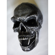 Figura Cráneo Gótico Con Colmillos Vampiro Calaca Adorno