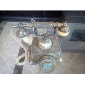 Teléfono Antiguo De Metal En Tono Dorado