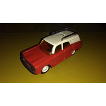 Gorgo Antiguo Fiat Familiar