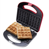 Máquina De Waffle Vermelha 700w Waf100 Cadence 110v
