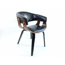Cadeira Em Madeira Estofada Em Couro Preta