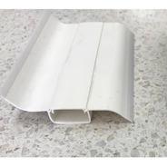 Zócalo De Pvc 240 De Largo X 7cm Alto Con Pasa Cable Blanco