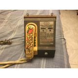 Teléfono De Monedas Antiguo De Lámina Y Madera