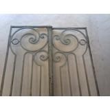 Puerta De Hierro Antigua. Reja Forjada Y Remachada.