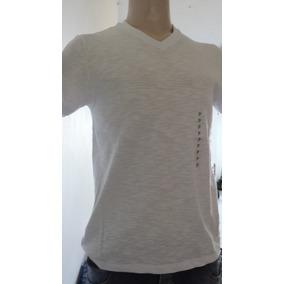 Camiseta Flamê Decote V Hering Ref N2k5