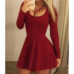 Vestido curto rodado de manga comprida