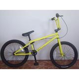 Bicicleta Tipo Bmx Marca Gt, Nueva!!