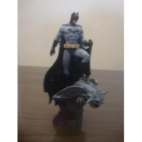 Miniatura Batman On The Roof Dc Especial - Sem Revista