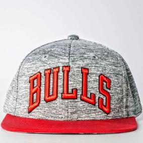 45d9799976b79 Gorra Adidas Bulls Cap 3s Bulls X26036 Negra Roja Daa en Distrito ...