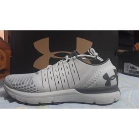 Tenis Under Armour Speed Form Europa