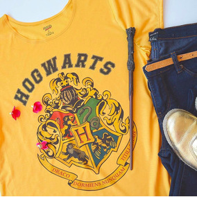 Camiseta Feminina Hogwarts Harry Potter