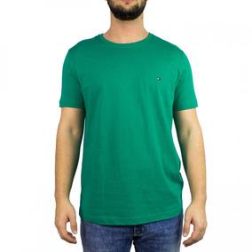 de3bd996878b7 Camiseta By Tommy Hilfiger Verde Lodo C Faixa Transv Color ...