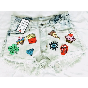 Short Jeans Customizado Branco Com Patches