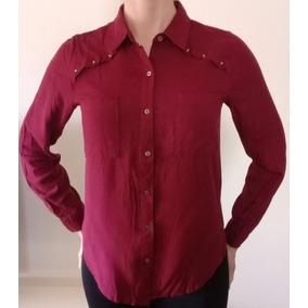 Camisa Bordó Con Tachas En Hombros De Mujer